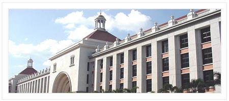 易三仓大学有三幢教学楼